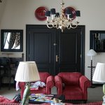 Sitting room, presidential suite