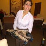 Service parfait pour cet homard bleu de Sicile...