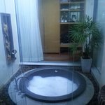 Open air hot tub - villa spa suite