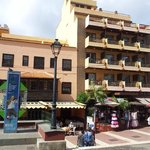 Marquesa hotel, tall part on the right side is the old Hotel Contessa, this is the part we staye