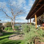 great landscaped garden, breakfast area