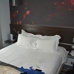 Кровать, была мягкая и удобная