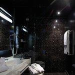 Bagno Executive Suite