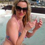 The Amazing Hot Tub!!!!