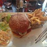 burger classique et ses frites maison