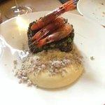 Arroz con gambas de Palamós, mayonesa de wasabi y ceniza de pino
