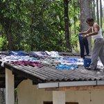 vêtements sur le toit