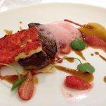 Escalope de foie gras poêlée et fraises