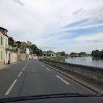 Vista da estrada chegando a Chinon