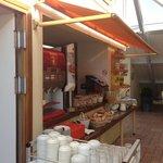 В кафе на завтраке