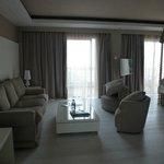 Suite 125