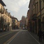Via Luca Belludi con in fondo la Basilica