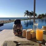 al a carte - breakfast by pool