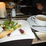 soupe du jour aumonière salade bacon et fromage