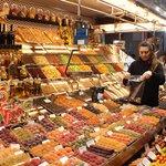 Coloridos e doces em La Boqueria