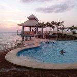 Infinity pool`