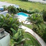 La piscina vista desde una habitacion