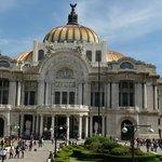 fachada frontal Bellas Artes