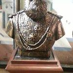 yawer pasha statue