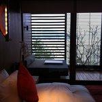 舒服的床與床景