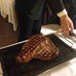 Fiorentina servita al ristorante dell'hotel