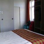 Hotel de Flandre, habitación doble, Namur, Bélgica.
