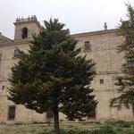 Fachada del Monasterio de Uclés - en el piso superior se encuentra la Hospedería