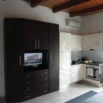 espace cuisine et coin TV