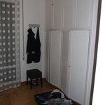 Schrankseite im Zimmer