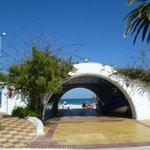 Vialetto che porta dal Villaggio al mare