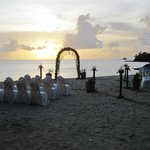 Whether it´s a white beach wedding, honeymoon, or romantic getaway.