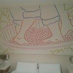 Un poco de la decoración de la habitación