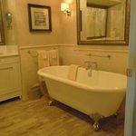 Wonderful tub!