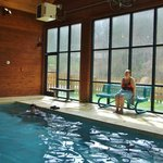 Very nice indoor pool with Sauna and hot tubs