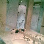 baño habitacion sencilla
