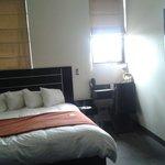 Deluxe suite, muy comoda y con todo lo que necesites, excelente atencion en el hotel, pequeños d