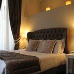 le lit cosy de la suite, super confortable