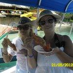 comiendo langostas Islas del Rosario