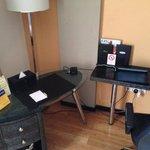desk - tv counter