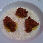 riso mantecato al parmigiano con tartara di manzo (OTTIMO)