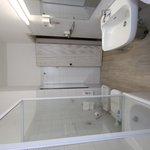 sala da bagno con vasca