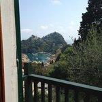 Utsikt från rummet/balkongen