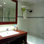 Salle de bain de la chambre 224