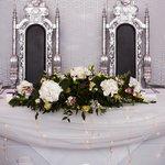 His & Her thrones - Tennyson Suite