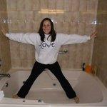 HUGE tub!!