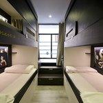 habitacion de 4 con baño privado externo