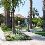 Gardens & accommodation