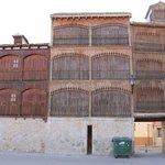 Imagen de las bonitas balconadas.