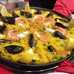 Amazing paella, good food and service