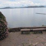 détente face au lac